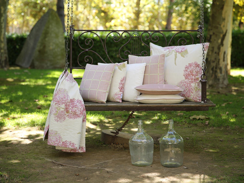 kissenh lle hortensia lazis. Black Bedroom Furniture Sets. Home Design Ideas