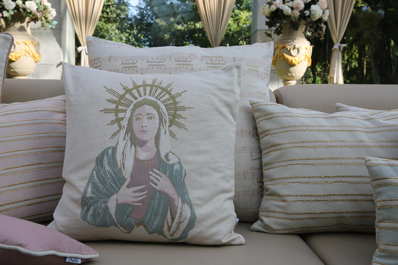 kissenh lle madonna 60x60 lazis. Black Bedroom Furniture Sets. Home Design Ideas