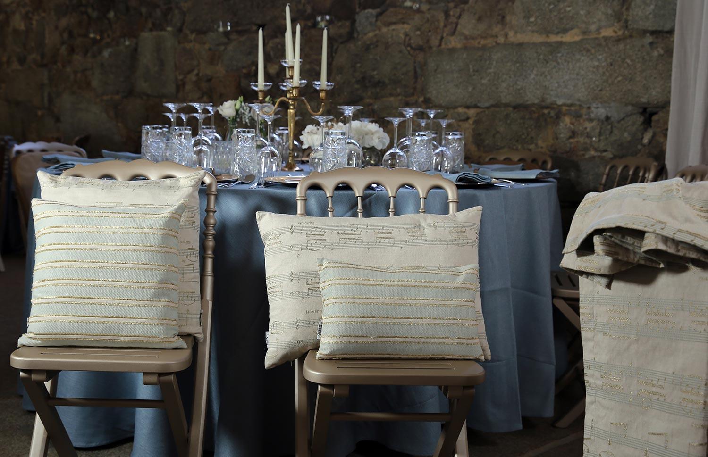 tischdecke ave bleu lazis. Black Bedroom Furniture Sets. Home Design Ideas